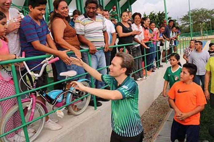 """Inaugura Manuel Velasco """"Los Cerritos"""" La Mejor Obra Deportiva en el Estado"""