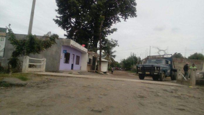 """Retienen a Empleados de Desarrollo Urbano en la Colonia """"Rivera Maya"""""""