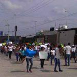 Marchan Universitarios Exigiendo el Pago Pendiente de Becas