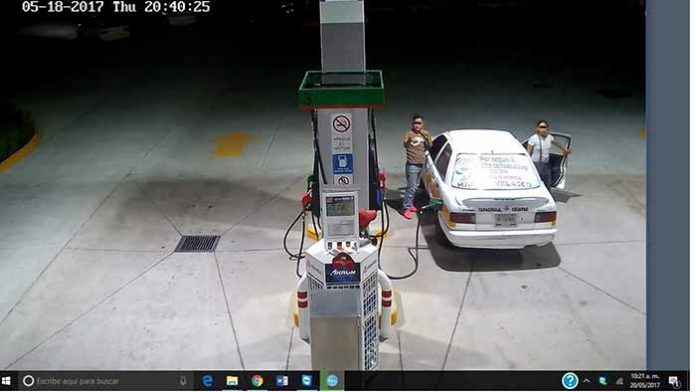 Ebrio Taxista Cargó Combustible y se Negó a Pagar