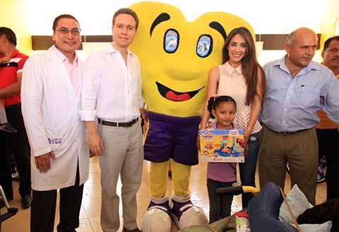 Gobernador Velasco y su Esposa Anahí Visitan a niñas y niños del CRIT