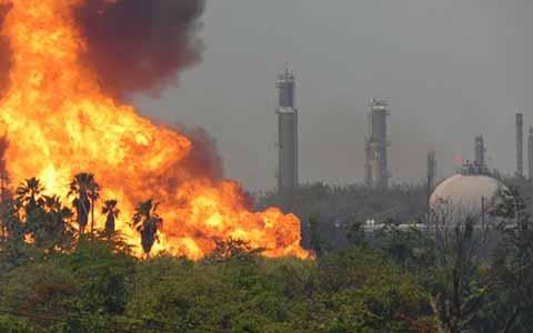 Pánico por Incendios en Instalaciones de Pemex en Reynosa, Tabasco y Chiapas