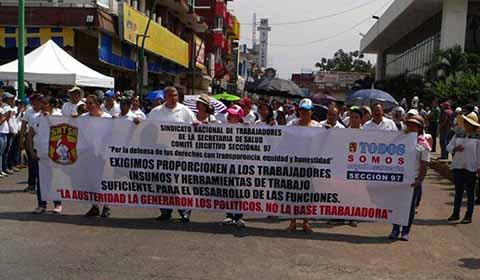 """Actos Vandálicos, Paros y Protestas en la Celebración del """"Día del Trabajo"""""""