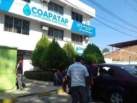 El presidente de la CANACO-SERVYTUR, Carlos Murillo Pérez, manifestó que el cobro que realiza el COAPATAP es indebido e incongruente, ya que el servicio que presta es pésimo, y afecta severamente el bolsillo de la población y comerciantes.