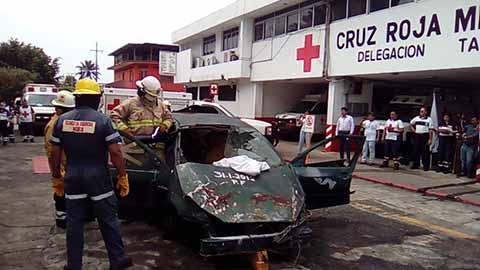 El consejo Directivo de la Cruz Roja en Tapachula, informó que actualmente sólo se cuenta con 18 voluntarios, insuficientes para atender las necesidades en la región Soconusco.