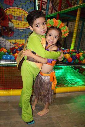 Daniel & Regina Martínez Cervantes.