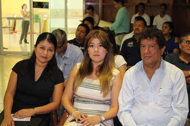 Iris Barrios, Berenice Alvarado, Víctor Anaya.