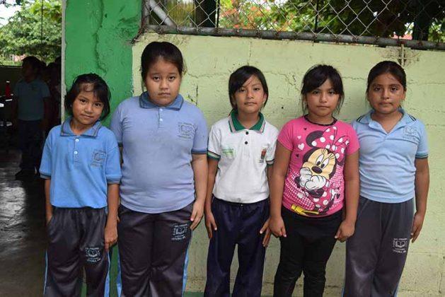 Paulette Rodas, Karla Ortega, Etefany Méndez, Jessica Méndez, Keyli Chilel.