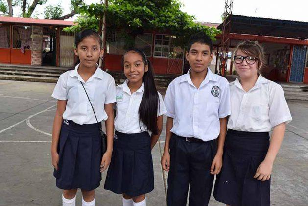 Daniela Méndez, Alejandra Pérez, José Villatoro, Xhyadany González.