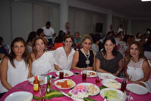 Patricia de Castañeda, Alma Arroyo, Berenice de Sing, Esperanza D´Aquino, Sheila Horita, Lluvia de Navarro.