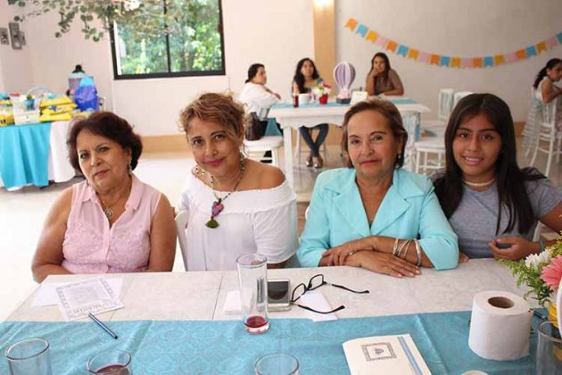 Lupita Córdova, Ruth Morales, Flor González, Meritxell Vargas.
