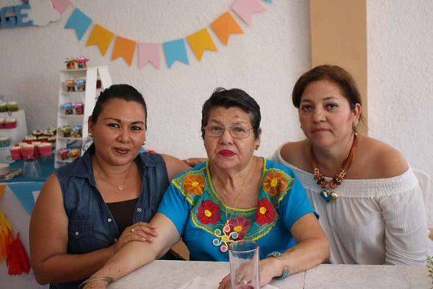 Brenda Sánchez, Esperanza Castañón, Rosario Argüello.