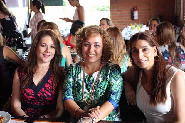 Alejandra de Antón, Carmen Luz Domínguez, Ángela Cabal.