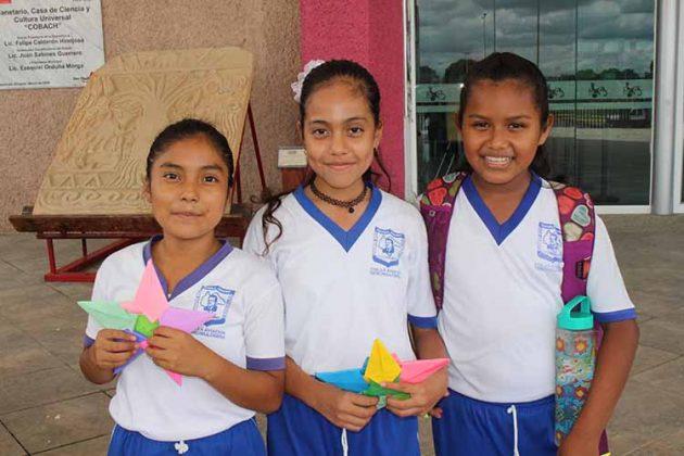 Estefanía Velasco, Yeimi Hernández, Liz Pérez.
