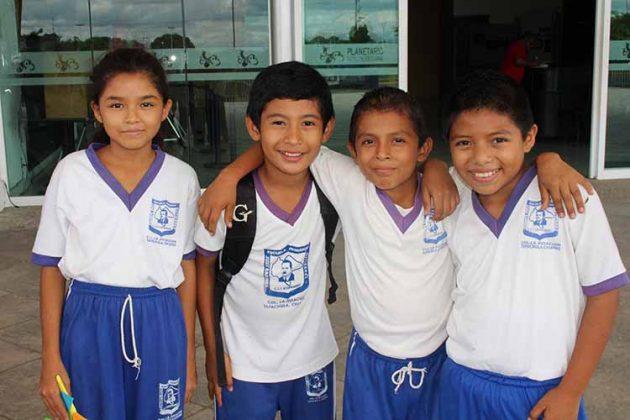 Regina Hernández, Alex García, Genaro Hernández, Carlos Velázquez.