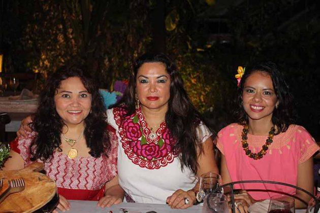 Paty Ocampo, Silvia Almanza, Xeng Li Fong.