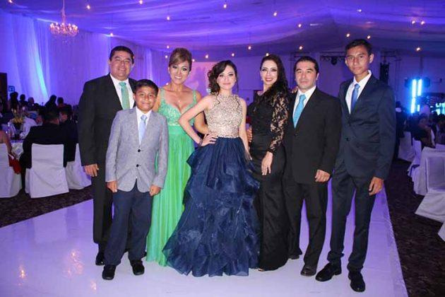 Luis, Abraham Clemente, Dilma Barrios, Montse Clemente, Selene Zepeda, Jorge Burguete, Moisés Clemente.