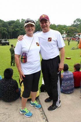 Foto 1 (599) Martha Quiroz de Lottmann, General de Brigada, D.E.M. Jens Pedro Lottmann, comandante de la XXXVI Zona Militar.