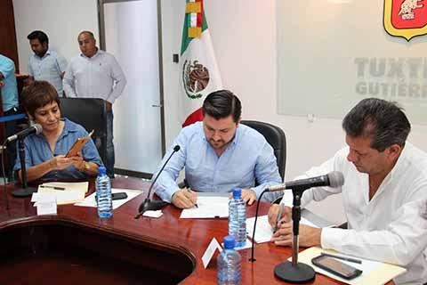 Ayuntamiento de Tuxtla y Provich Firma Convenio Para Combatir el Hacinamiento