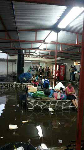 Intensas Lluvias Provocan Inundación en el Hospital Regional