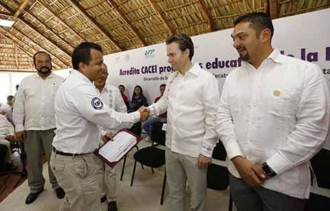 El mandatario estatal destacó que la Universidad Politécnica de Chiapas es la única institución de la entidad que tiene el cien por ciento de sus programas con reconocimiento de calidad reconocida internacionalmente.