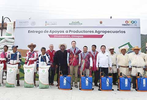El mandatario estatal benefició a mil 976 agricultores afectados por sequías, con lo que se busca reactivar 15 mil hectáreas.