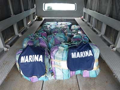 Elementos de la Marina-Armada de México aseguraron 19 bultos que flotaban en el mar, los cuales contenían ladrillos de cocaína, mismos que dieron un peso bruto de 687 kilogramos. La droga fue puesta bajo resguardo en la Décimo Cuarta Zona Naval, con sede en Puerto Chiapas.
