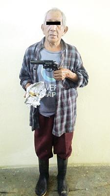 Abuelito Hirió de un Balazo a Policía Estatal
