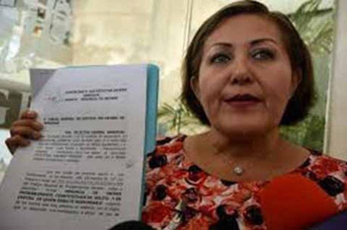 La diputada de Veracruz Eva Cadena, lanzó severas acusaciones contra legisladores de MORENA y de su líder Andrés Manuel López Obrador, sobre el uso de los fondos económicos que se obtienen en forma ilegal.