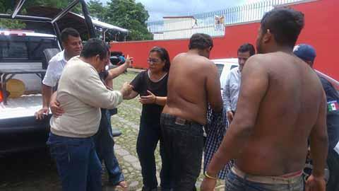 Zafarrancho en Asamblea del SUICOBACH, Deja Autos Destrozados Bloqueo de Calles y Cierre de Negocios