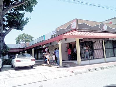 Asaltan Pastelería Santa Mónica