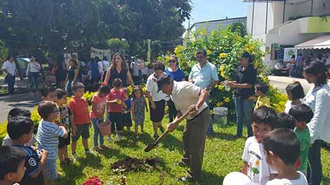 Promueven Siembra delEmblemático Árbol de Huacal
