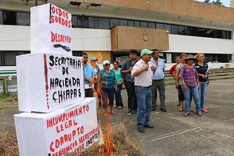 Maestros del Conalep Radicalizan las Protestas en la Unidad Administrativa