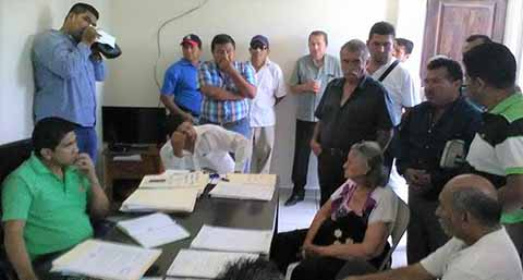 Ante el delegado Regional del Transporte José Williams Narcía Álvarez, los concesionados advirtieron tomar acciones de no atenderse sus reclamos.