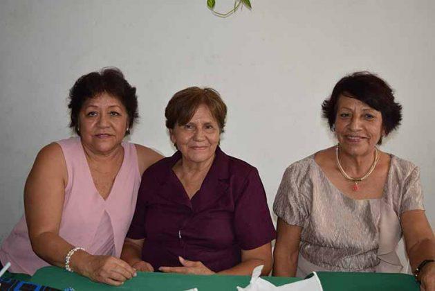 Vicky Cárdenas, Idolina Piña, Eugenia Carballo.