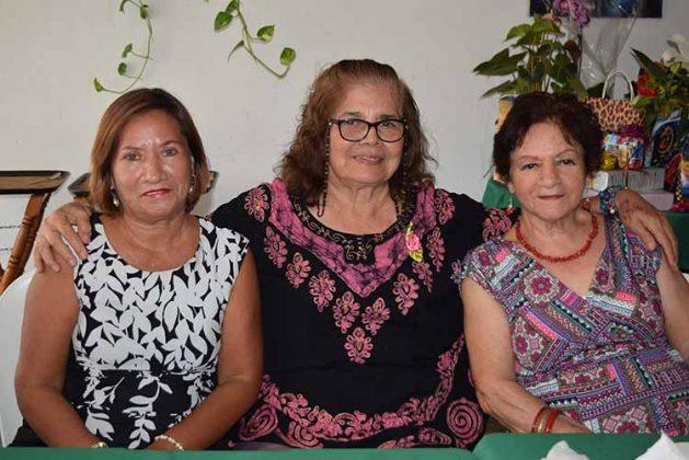 Tere Chang, Yoli Avendaño, Isabel Elizarrarás, Yoli Pacheco.