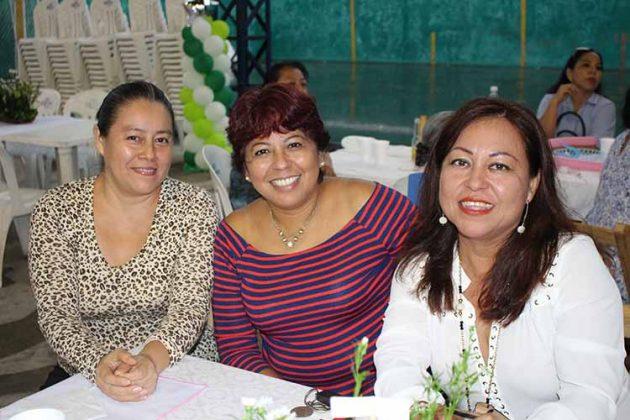 Sarai Rodríguez, Noelia Ruiz, Reyna Briones.