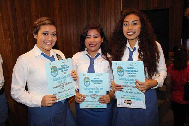 Mercedes Mejía, Sheila García, Guadalupe Ochoa.