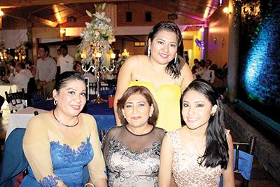 Paola Damián, Rosamaría Chavarría, Leslie Damián, Guadalupe Morales.