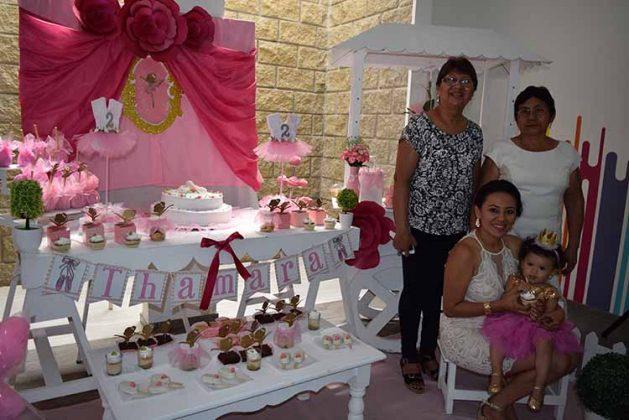 Debora Gallardo, Thamara, María Pérez, Luvia de León.