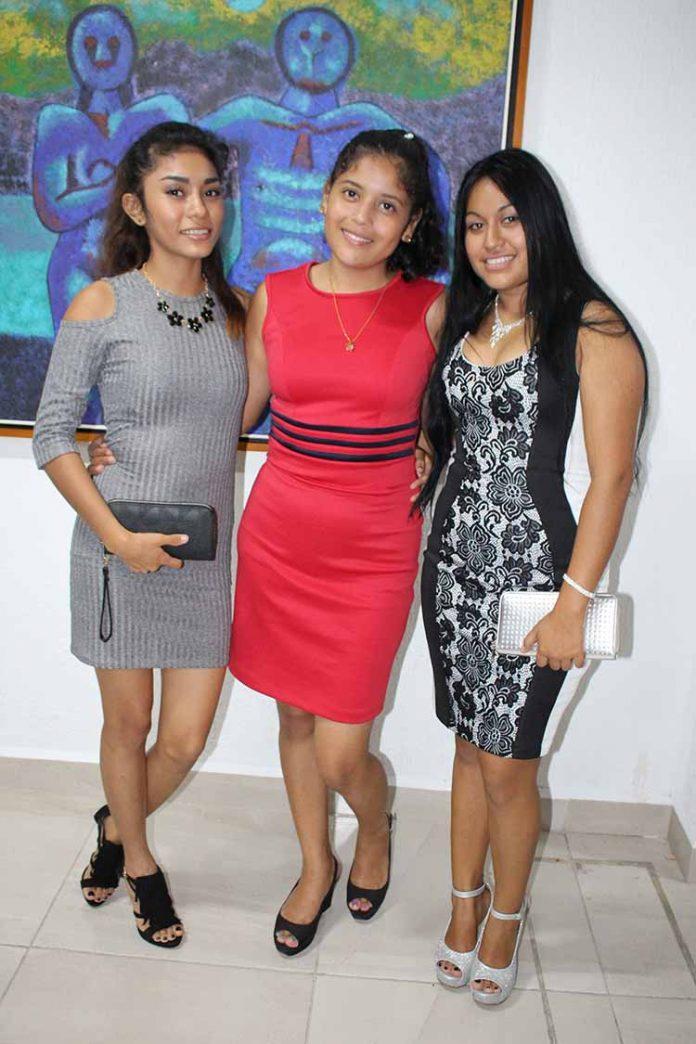 Wendy Urgell, Ruth Santis, Iris González.