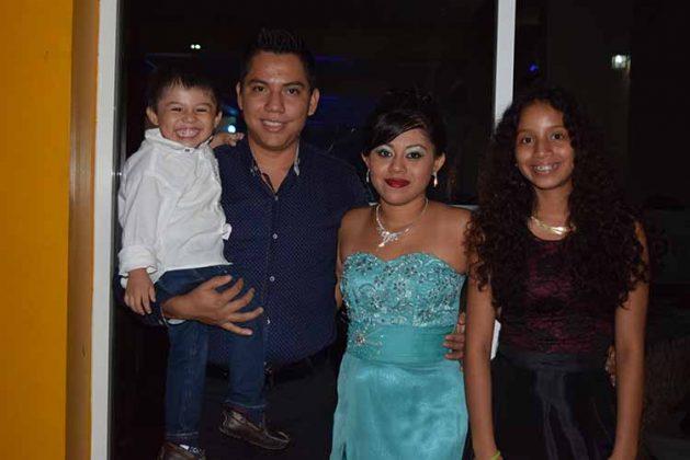 César de la Cruz, Julio de la Cruz, Daniela Cordero, Emilia Cordero.