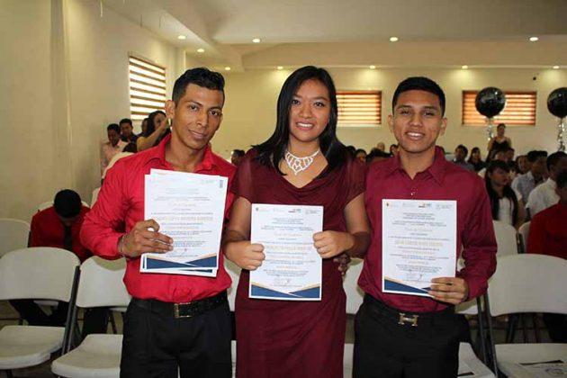 Alberto Vázquez, Rosalba Morales, Steven Silva.