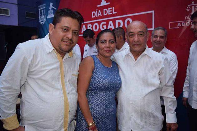 Jesús Almeida, Concepción Hernández, Luis Guillén.