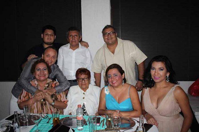 Julio Serrano, Beatriz López, Iván Hernández, Esther Domínguez, Rosa Domínguez, Abraham Sánchez.