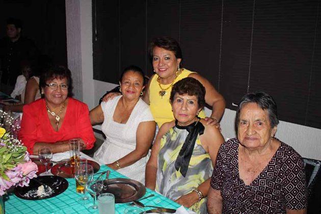 Maricruz Zelaya, Noemi Rodríguez, Andrea Celaya, Alma Murillo, Dolores Pérez.