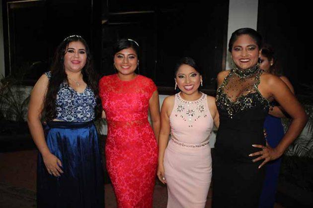 Selena Ruiz, Dilians Rodríguez, Carolina Robledo, Reyna Santiago.