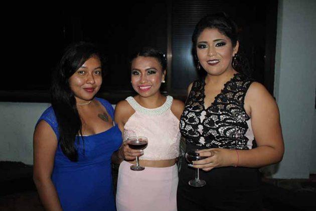 Elia Frutos, Arizbeth Cruz, Margarita Clemente.