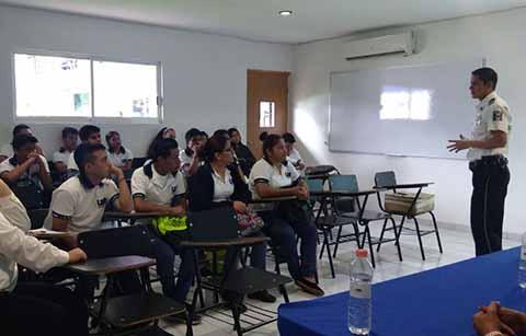 Capacita FGE a Estudiantes Universitarios de Tapachula