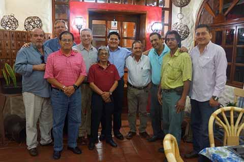 """El legislador chiapaneco en reunión con la agrupación de comerciantes """"Unidad Ciudadana"""", escuchó los diversos planteamientos en beneficio de Tapachula y la región."""